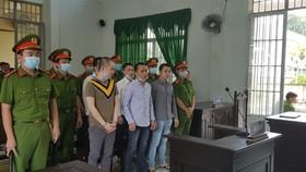 Nhóm bị cáo đánh chết người trong nhà tạm giữ