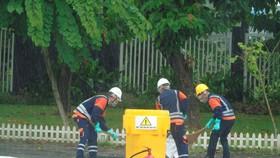 Lực lượng chức năng diễn tập ứng phó với sự cố hóa chất tràn xuống đường