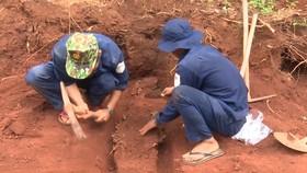 Lộc Ninh bàn giao 42 hài cốt liệt sĩ về an táng tại Nghĩa trang liệt sĩ