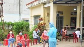 Người tiêm đủ 2 mũi vaccine Covid-19 đến Bình Phước từ vùng có dịch không phải cách ly tập trung