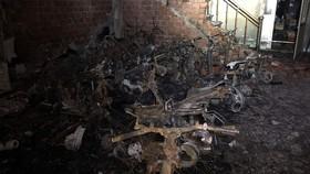 6 sinh viên cùng chủ nhà thoát khỏi căn nhà đang cháy