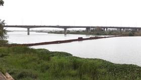Đà Nẵng khẩn trương dựng đập ngăn mặn thứ 2 trên sông Cẩm Lệ
