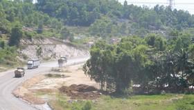 Gấp rút vận động người dân bàn giao mặt bằng để hoàn thiện cao tốc La Sơn – Túy Loan