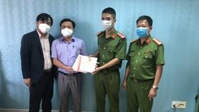 """Vụ 22 sổ đỏ """"biến mất"""": Công an bàn giao 19 sổ đỏ cho Văn phòng Đăng ký đất đai quận Sơn Trà"""