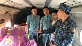 Trực thăng quân đội tham gia cứu nạn khu vực thủy điện Rào Trăng 3