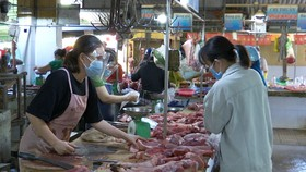 Tỉnh Quảng Nam yêu cầu người dân phải đeo khẩu trang khi vào các điểm công cộng