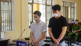 Đối tượng Thành và Quang tại phiên tòa sơ thẩm