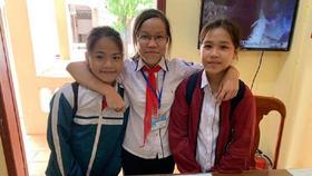 3 học sinh nhặt được gần 10 triệu đồng tìm trả lại người đánh rơi