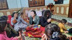 Hai chị em bị lạc được tìm thấy cách nơi hái măng khoảng 20km