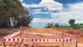 Phát hiện hầm đạn cối nằm giữa đường dân sinh