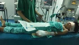Một thiếu niên bị thương nặng sau tiếng nổ lớn