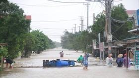 Mưa lớn từ ngày 16-10 đến nay khiến nhiều nơi trên địa bàn tỉnh Quảng Trị tiếp tục bị ngập sâu.