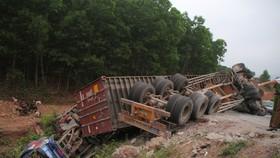 Xe đầu kéo mất lái gây tai nạn liên hoàn khiến nhiều người bị thương