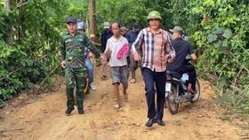Hàng trăm người dân và công an vây bắt đối tượng trốn trại giam