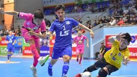 Zetbit Sài Gòn (áo hồng) và Thái Sơn Nam (áo xanh) cùng với Sahako đang tạo nên cuộc đua vô địch đầy hấp dẫn tại Giải futsal VĐQG 2021. Ảnh: ANH TRẦN