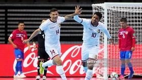 Venezuela trở thành đội tuyển đầu tiên vượt qua vòng bảng Futsal World Cup 2021. Ảnh: GETTY