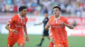 Hồ Tấn Tài thường xuyên lập siêu phẩm tại V-League