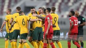 Niềm vui thắng trận của các cầu thủ Australia. Ảnh: GETTY