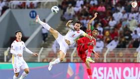 Dù thi đấu cố gắng, nhưng Việt Nam vẫn không trán được thất bại trước chủ nhà Oman. Ảnh: OFA