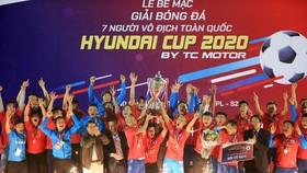 Song Hùng FC - đại diện đến từ TPHCM là nhà vô địch toàn quốc mùa giải 2020. Ảnh: T.L.