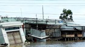 Hiện trường vụ sạt lở chợ Thanh Tùng, xã Thanh Tùng, huyện Đầm Dơi ngày 31-5-2017