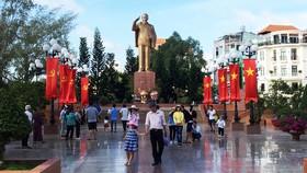 Hàng ngàn du khách đổ về Cần Thơ dịp lễ 2-9