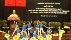 Ca múa nhạc chào mừng Hội nghị. Ảnh: CAO THĂNG