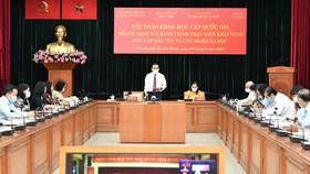 Bí thư Thành ủy TPHCM Nguyễn Văn Nên phát biểu tại hội thảo. Ảnh: VIỆT DŨNG