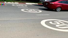 Hiệu quả của vạch sơn tốc độ trên mặt đường