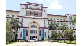 Sinh viên bị kiện hoàn trả học bổng