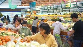 Siêu thị Co.opmart khuyến mãi mạnh, chia sẻ áp lực chi tiêu cuối năm với người tiêu dùng