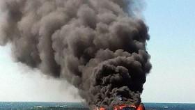 Nổ tàu cá gần đảo Lý Sơn vào đêm khuya, 14 người thương vong