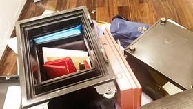 Trộm cạy két sắt công ty lấy đi 300 triệu đồng và 13 lượng vàng