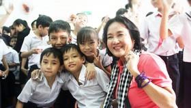 Gần 350 triệu ủng hộ Trung tâm nuôi dạy trẻ khuyết tật Võ Hồng Sơn