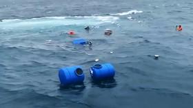 Tàu chở 36 tấn vật liệu xây dựng ra đảo Lý Sơn bị chìm trên biển