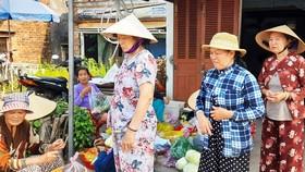 Ăn vào là nôn ói, tiêu chảy, hàng trăm người dân Bình Định hoang mang