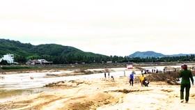 Bình Định: 2 cha con đuối nước thương tâm khi đi đánh cá
