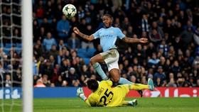 Bảng F: Manchester City - Feyenoord 1-0: Sterling kịp tỏa sáng giúp Man xanh giành 3 điểm