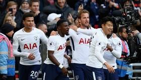 Tottenham - Southampton 5-2: Ba kỷ lục của Harry Kane