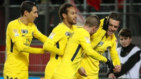 Lille - Paris Saint Germain 0-3: PSG tiếp tục thẳng tiến