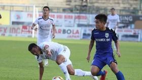 Becamex Bình Dương - TPHCM 1-1: HLV Miura lập kỷ lục 13 trận không thắng