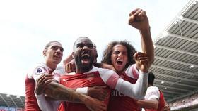 Cardiff City - Arsenal  2-3: Mustafi, Aubameyang, Lacazette khai hỏa