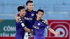 Hà Nội - SLNA 2-0: Quang Hải kiến tạo, Samson lập cú đúp, Hà Nội đăng quang sớm 5 vòng đấu