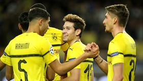 Monaco - Borussia Dortmund 0-2: Guerreiro lập cú đúp, soán ngôi đầu của Atletico