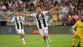 Juventus - AC Milan 1-0: Ngôi sao Ronaldo tỏa sáng, Juve giành cúp
