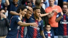 PSG - Guingamp 9-0: Neymar lập cú đúp, Mbappe, Cavani lập hattrick thắng hủy diệt