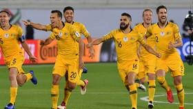 Australia - Uzbekistan 0-0 (luân lưu 4-2): ĐKVĐ kịp giành vé trên chấm 11m
