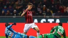 AC Milan - Napoli 0-0: Hòa gay cấn, Napoli bị Juventus bỏ xa 8 điểm