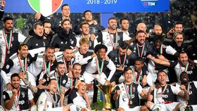 Juventus - Atalanta 1-1: Ronaldo kém duyên, Mandzukic tỏa sáng trong ngày Juve đăng quang