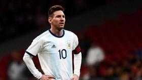 Argentina - Colombia 0-2: Messi, Aguero, Di Maria tịt ngòi, Martinez  và Zapata giành chiến thắng